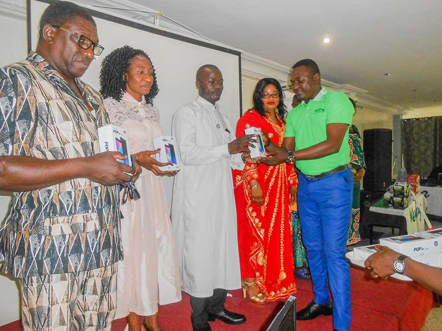 laureats telephones yeekong afrique